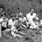 Nenes i nens als jardins de la Maternitat d'Elna
