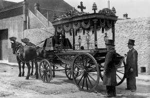 Carruatge funerari entre finals del segle XIX i mitjans del XX