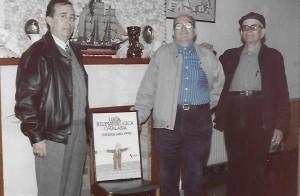 D'esquerra a dreta, el president de la Lliga Reumatològica Catalana, Pere Pla (gendre de Custó) i el propi Fermí Custó Arxiu Pla Custó
