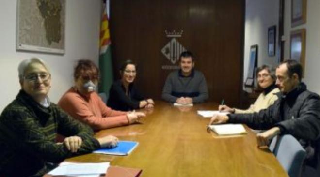 Escolà i Benseny es reuneixen amb representants de la Plataforma Stop Comptadors