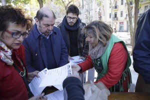Des de la PAH han decidit treure la proposta als carrers per explicar-la i avui ho han fet a la Barceloneta, un barri de Barcelona que pateix una forta pressió turística Freddy Davies