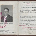 Carnet de la Creu Roja de Josep Morral amb el segell de la República, l'any 1936 (Arxiu Morral Casamitjana).