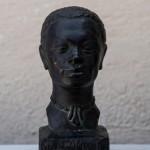 Reproducció del cap d'un home, feta amb uralita al taller d'Albert Lena (Col·lecció Albert Lázaro i donació de Dídac Redondo).