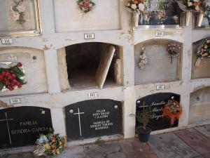 800px-Cerdanyola-del-Valles-Església_Velle_de_Sant_Martí-Cementiri-13