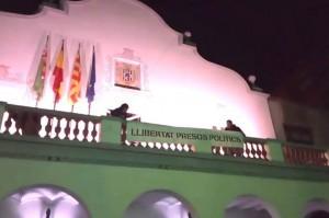 Pancarta per la llibertat dels presos polítics a l'Ajuntament | Ajuntament de Cerdanyola