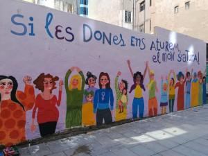 mural-feminista-gairebe-acabat-carrer-Bòria